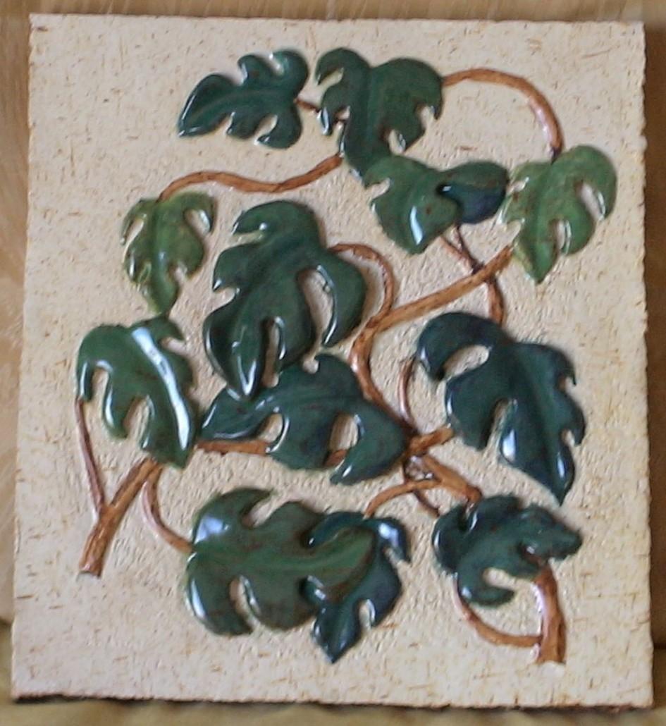 Relleu de ceràmica esmaltada (xxxx).