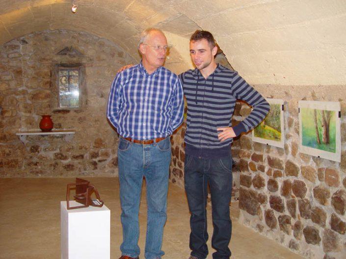 A l'exposició del VIIIè Vernissatge de Tardor amb l'escultor Eudald De Juana.