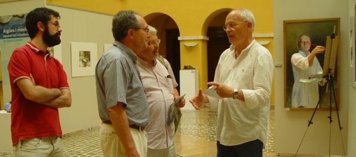 Visitant la exposició amb artistes amics: Xavi Torras, Robert Espí i Joan Campamà.