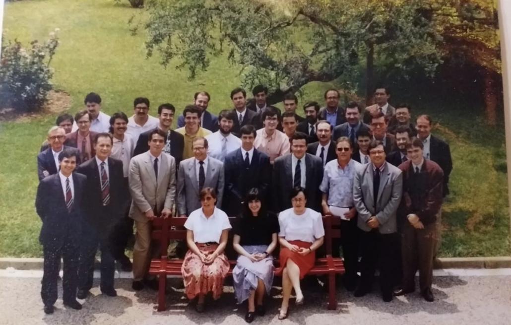 Part dels professors i secretàries del col·legi Turo.
